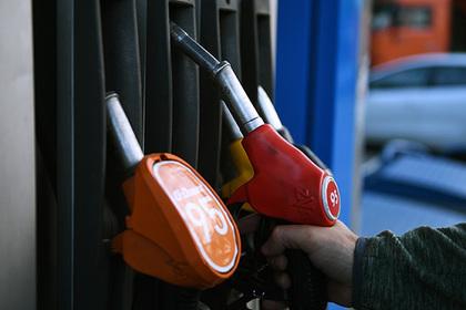 Россияне бросились скупать дешевый бензин в интернете