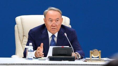 Чтобы у вас устроиться на работу техничкой, нужно дать взятку - Назарбаев акиму ЮКО