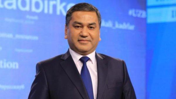 Из свадебного кортежа в такси пересадил новобрачных узбекский чиновник