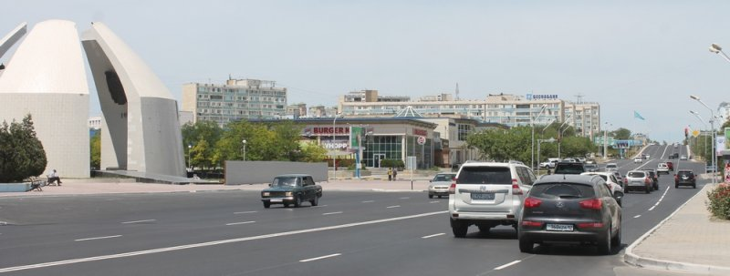 Необычную разметку в центре Актау сняли на видео