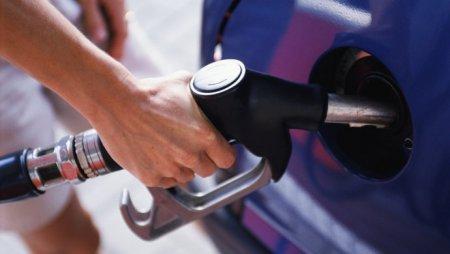 Канат Бозумбаев - Казахстан не будет импортировать большие партии бензина