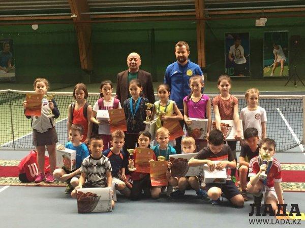 Алишер Баймукашев из Актау завоевал «бронзу» республиканского турнира по теннису