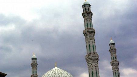 Кто не успел провести Кадыр тун в поклонении, могут сделать это в ночь с 13 на 14 июня
