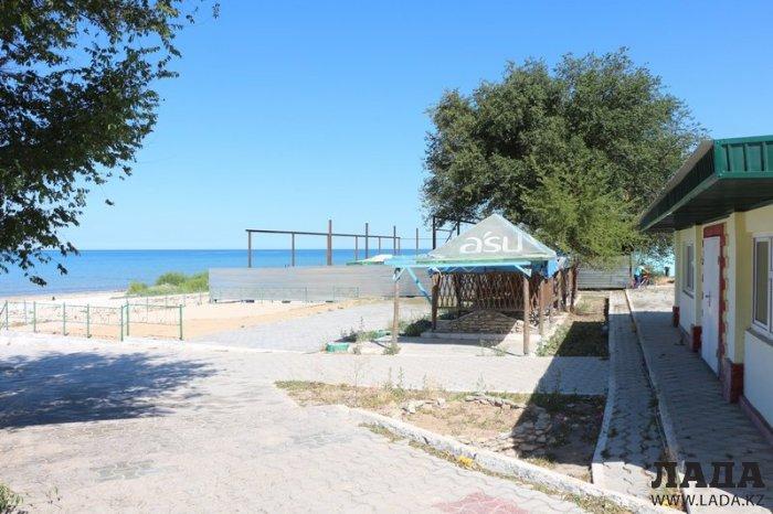 Возмутившую жителей Актау стройку на побережье 7 микрорайона приостановили