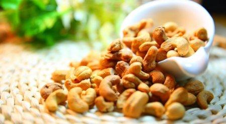 Пошлину на орехи кешью в скорлупе обнулили в Казахстане