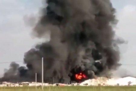 В Алматы горят складские помещения