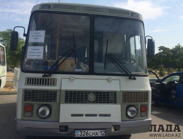В Актау запустили автобус до баз отдыха