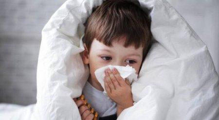 Медики не рекомендуют удалять детям аденоиды и миндалины