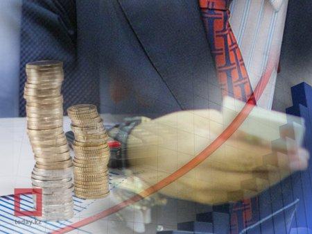 В июле курс доллара в РК может подскочить до 349 тенге