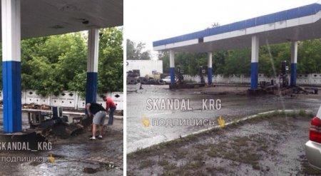 Удар молнии спровоцировал взрыв на АЗС в Караганде