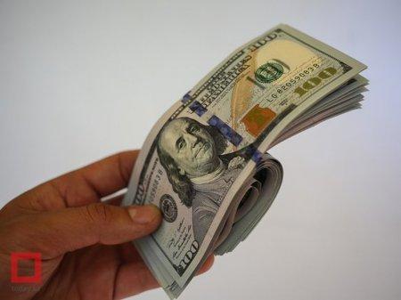 Курс доллара США на KASE составил почти 345 тенге