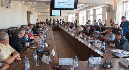 Возмущенная убийством Дениса Тена общественность требует отставки главы МВД