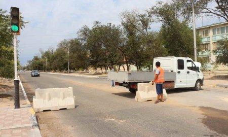 В Актау продолжается ремонт городских дорог