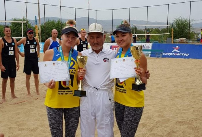 Пляжные волейболисты из Актау завоевали две медали на Кубке Казахстана