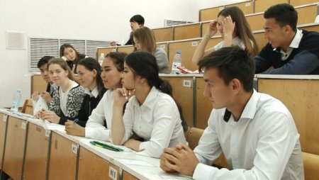 В Казахстане идет прием заявлений на повторное ЕНТ