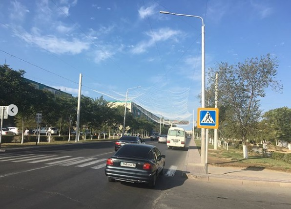 В Актау устанавливают светодиодное освещение