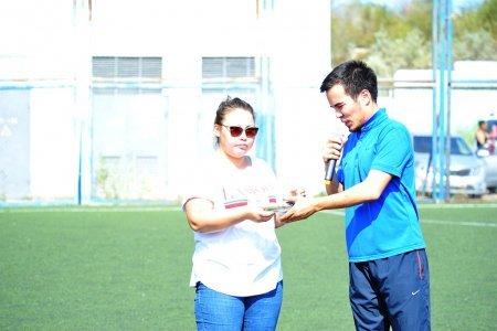 Футболисты Актау собрали более полумиллиона тенге на лечение больного ребенка