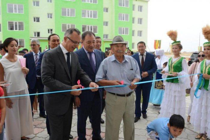 В селе Мангистау открыли общежитие для семей работников медицины и образования