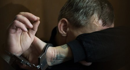 """Азербайджанский """"вор в законе"""" с боевой гранатой задержан в Казахстане"""