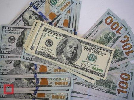 Курс доллара составил 348 тенге