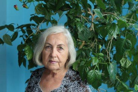 Семидесятилетняя жительница Актау полетала на параплане в свой День рождения