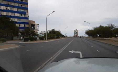 Полицейские Актау занялись исправлением ошибок в дорожной разметке