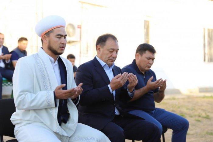 Ералы Тугжанов поздравил мангистаусцев с праздником Курбан-айт