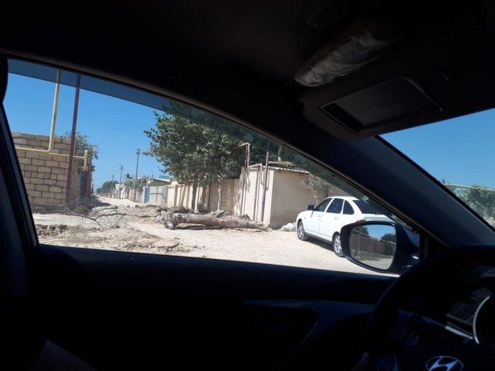Водители Актау пожаловались на перекрытые дороги в дачном поселке «Синтез»
