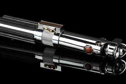 Световой меч Энакина Скайуокера из «Звездных войн» ушел с молотка