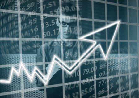 Министр нацэкономики: По нашей модели доллар столько стоить не должен