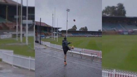 Молния поразила мяч после удара австралийского футболиста