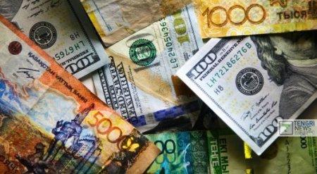 Доллар в обменниках стоит 381 тенге в начале недели