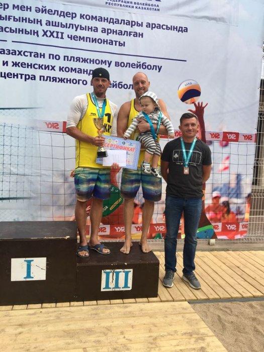 Спортсмены из Актау завоевали две медали на чемпионате Казахстана по пляжному волейболу