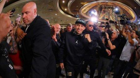 Головкин прибыл в Лас-Вегас на бой с Альваресом