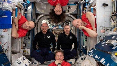 """СМИ: отверстие в """"Союзе"""" могли проделать астронавты из США"""