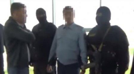 Полицейский в Астане получил 300 тысяч тенге за закрытие дела