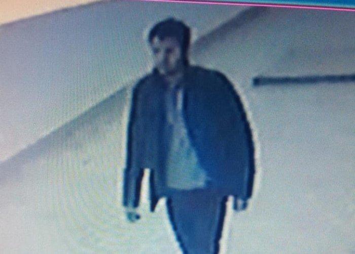 Полиция Актау разыскивает подозреваемого в краже телефона