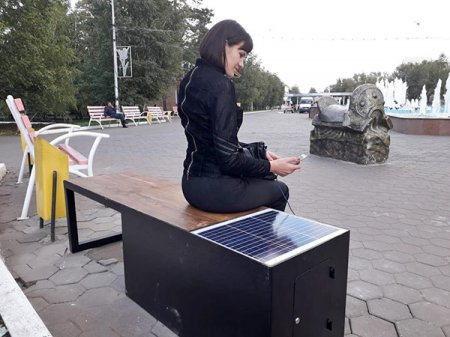 В 600 000 тенге обошлась спонсору одна умная скамейка в Костанае