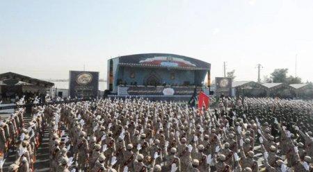 В результате теракта на параде в Иране погибли не менее восьми военных