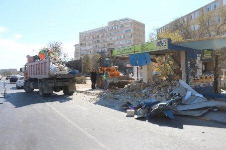 В 8 микрорайоне Актау по решению суда снесли киоск