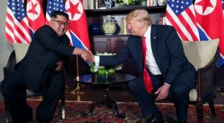 """Трамп заявил, что они с Ким Чен Ыном """"влюбились друг в друга"""""""