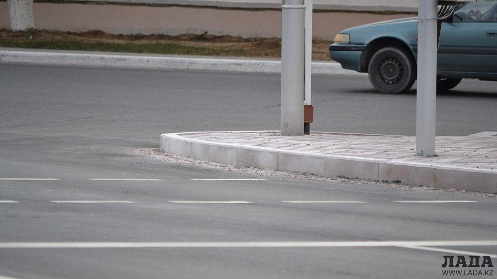 Новые бордюры в Актау: По ГОСТу или по просьбе?