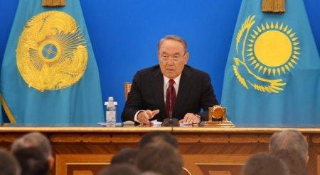 Назарбаев пригрозил заменить казахстанских чиновников иностранцами