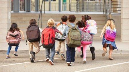 Кто выпускает эти учебники? – Сагинтаев о тяжелых портфелях школьников