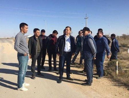 В Актау приостановили работу незаконных строек
