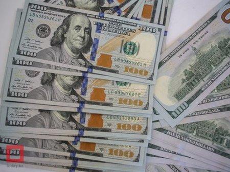 Курс доллара составил 368 тенге на KASE
