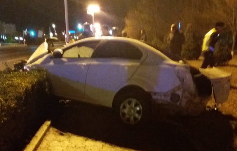 Напротив областного акимата в Актау произошла авария