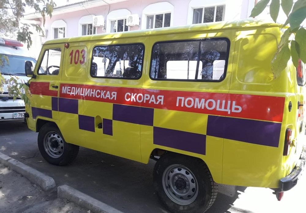Автомобили скорой помощи Мангистауской области перекрасили в желтый цвет