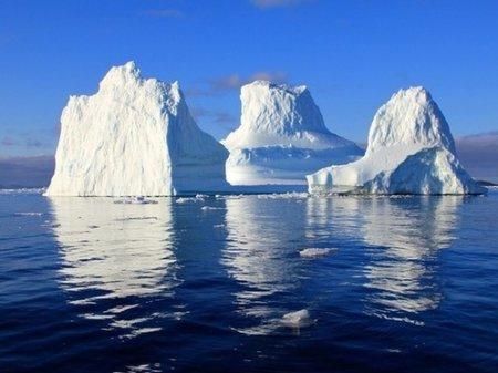 NASA: от Антарктиды откололся еще один огромный айсберг
