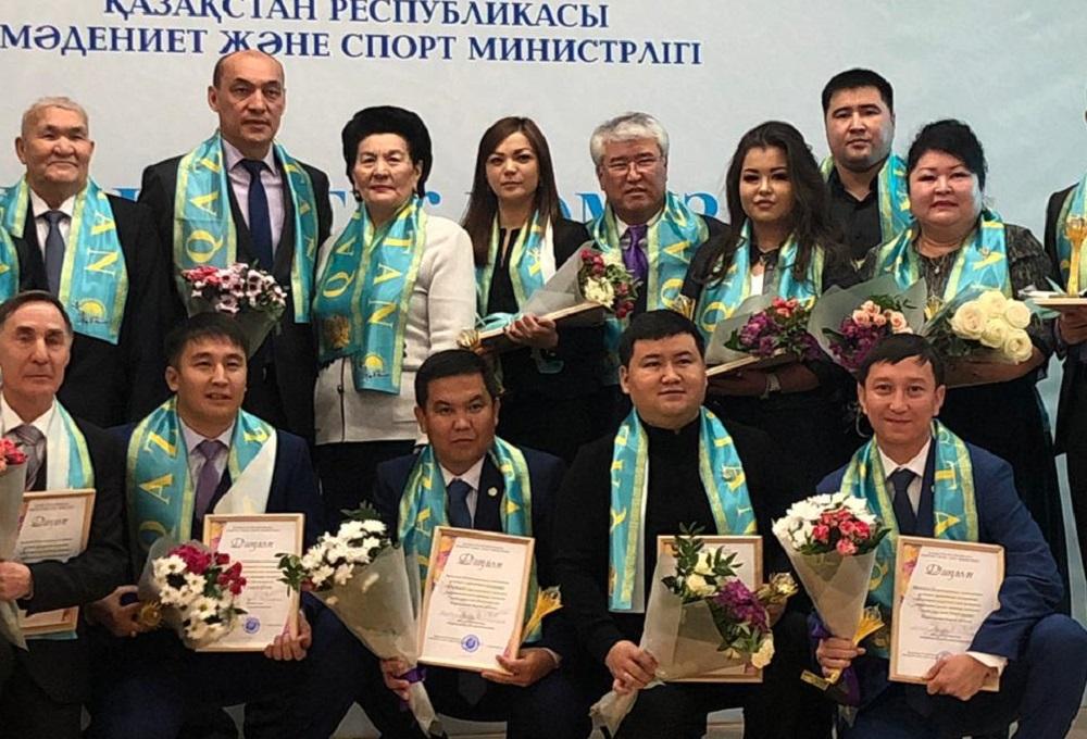 Предприниматель из Актау получил республиканскую награду «Патриот года»